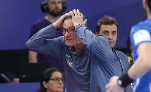 Olivier Krumbholz, le sélectionneur de l'équipe de France, déçu par l'élimination au premier tour du Mondial de handball 2019