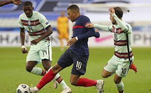 Kylian Mbappé suivi de près par Bernardo Silva