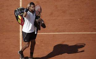 Jo-Wilfried Tsonga à la sortie du court après sa défaite en demi-finale de Roland-Garros contre Wawrinka, le 5 juin 2015.