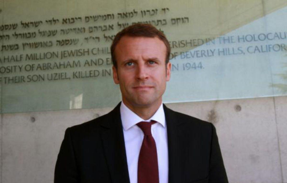 Le ministre français de l'Economie Emmanuel Macron à sa sortie du musée du Yad Vashem à Jérusalem, le 6 septembre 2015 – GIL COHEN MAGEN AFP