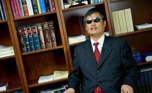 """""""Le régime communiste n'a pas l'intention de changer"""": le dissident chinois Chen Guangcheng a accusé mardi Pékin de ne pas respecter l'accord négocié quand il avait fui en 2012 sa résidence surveillée avant d'être finalement autorisé à s'exiler aux Etats-Unis."""