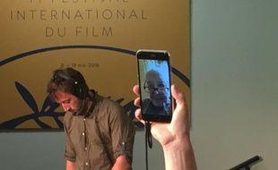 Jean-Luc Godard donne une conférence de presse par téléphone au Festival de Cannes