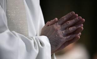Image d'illustration d'un prêtre.