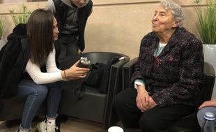 Yvette Lévy, 93 ans et rescapée de la Shoah, témoigne devant des lycéens de la région nantaise, le 30 janvier 2020