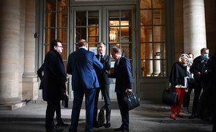 Les dirigeants d'Amiens devant le Conseil d'Etat, le 4 juin 2020.