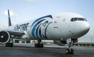 Un avion de la compagnie aérienne Egypt Air sur le tarmac de l'aéroport du Caire. (Illustration)