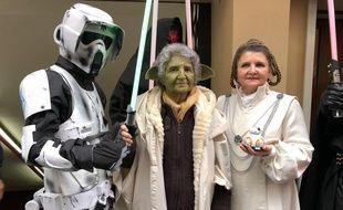 Cristal et Marithé, fans de Star Wars de mère en fille à la première projection des Derniers Jedi