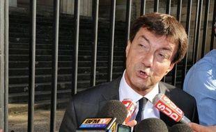 Depuis décembre 2010, c'est le juge d'instruction qui mène la barque dans le volet bordelais de l'affaire Bettencourt : à 51 ans,Jean-Michel Gentil gère ce dossier d'Etat avec une réputation d'homme inflexible et très discret.
