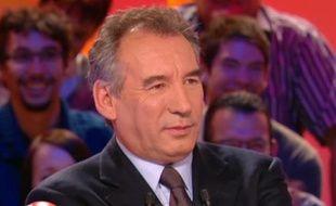 François Bayrou dans l'émission «Le Grand Journal» sur Canal Plus, le 13 décembre 2010.