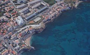 Un père de famille et ses deux enfants ont été emportés par une vague au niveau de Madrague-Montredon à Marseille, samedi.