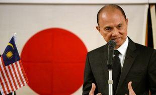 Le designer malaisien Jimmy Choo à Fukushima le 18 avril 2014.