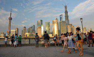 La chute d'un bouchon sur une canalisation d'ammoniac liquide est à l'origine de l'accident dans une usine de réfrigération à Shanghai qui a fait 15 morts samedi, selon les premiers résultats de l'enquête rapportés dimanche par l'agence officielle Chine nouvelle.