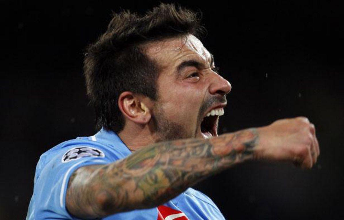 EzequielLavezzi, sous le maillot de Naples, en février 2012. – REUTERS/Giampiero Sposito