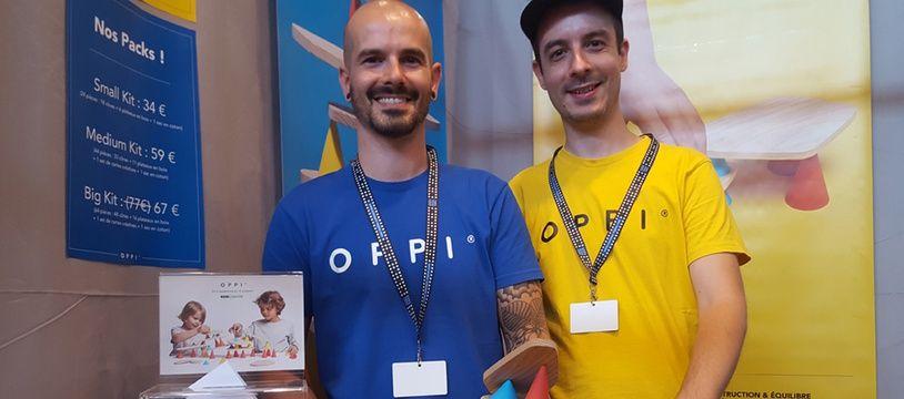 Hansen et Bastien Schloupt ont créé la marque de jouet Oppi afin de développer Piks un jeu de construction et d'équilibre.