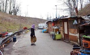 """De 2008 à 2012, 440.000 enfants supplémentaires ont plongé avec leurs familles dans la pauvreté, avec une prise en compte de l'impact de la crise """"dramatiquement insuffisante"""", selon cette analyse de l'Unicef France sur les moins de 18 ans"""