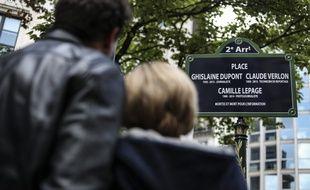 La place porte désormais le nom des trois journalistes assassinés dans le cadre de leur travail.