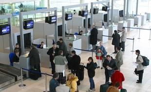 En 2014, 501.218 passagers ont transité par l'aéroport de Rennes.