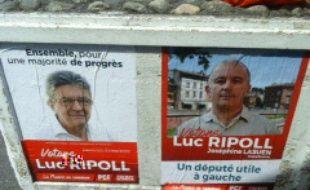 Une des affiches incriminées, ici à Basso-Cambo, à Toulouse, dans la 4e circonscription de Toulouse.