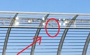 Un projecteur s'est décroché au stade de la Licorne.