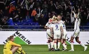 Saki Kumagai, Wendie Renard et les Lyonnaises ont fait exploser la défense parisienne, samedi au Parc OL (5-0).