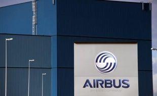 L'avionneur européen Airbus a opté pour la prudence et renoncé aux batteries au lithium pour son futur long-courrier A350, faute de certitude sur la sécurité entourant cette technologie après les graves incidents qui ont cloué au sol les 787 de son rival américain Boeing.