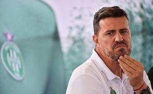 L'entraîneur stéphanois Oscar Garcia, ici lors de la présentation des nouveaux maillots du club, la semaine passée à L'Etrat. ROMAIN LAFABREGUE