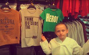 Capture d'écran de la vidéo publiée par la mère de Daisy, une fillette anglaise révoltée par les clichés véhiculés par les vêtements pour enfants.