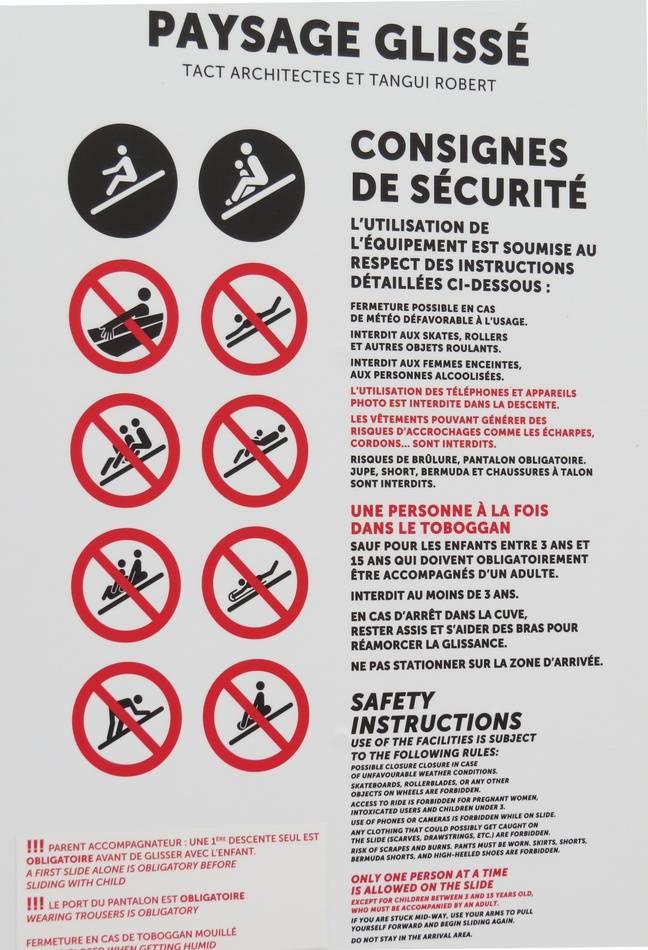 Les règles d'accès au toboggan éphémère du Voyage à Nantes sont assez strictes.