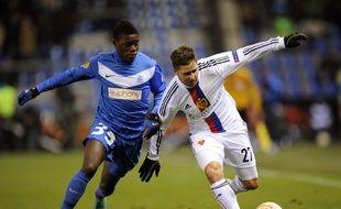Anthony Limbombé (à gauche) en 2012 sous les couleurs de Genk.