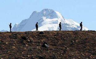 L'Inde et la Chine poursuivaient leurs discussions mercredi pour tenter de résoudre leur différend après l'incursion présumée de troupes chinoises dans une zone reculée de l'Himalaya revendiquée par New Delhi, a rapporté l'agence Press Trust of India (PTI).