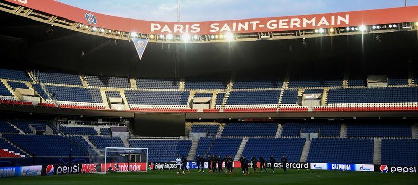 Le Parc des Princes à la veille de PSG-Manchester United.