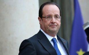 François Hollande est arrivé jeudi à Tokyo pour une visite d'Etat de trois jours, la première pour un président français depuis 1996, un séjour axé sur l'économie au cours duquel il doit longuement s'entretenir avec le Premier ministre japonais, Shinzo Abe.