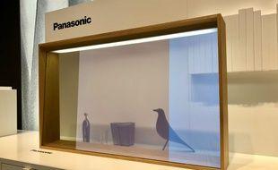 L'impressionnant téléviseur OLED transparent de Panasonic.
