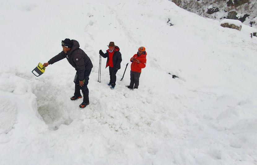 Népal : Les recherches pour retrouver sept randonneurs après une avalanche ont été suspendues