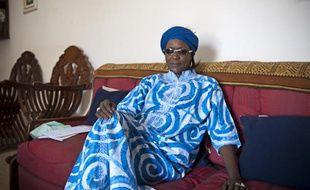 Portrait de Amsatou Sow Sidibe chez elle a Dakar. Professeur agregée en Droit, directrice de l'institut des droits de l'Homme et de la paix, Chevalier de la Légion d'honneur française, elle est la seule femme à se présenter à l'élection présidentielle (le 3 fevrier 2012)