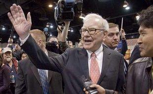 Warren Buffet le PDG multi-milliardaire de Berkshire Hathaway a appelé les milliardaires à donner la moitié de leur fortune à titre gracieux.