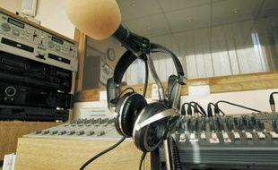 Concurrencée par le Net, la durée d'écoute par auditeur a baissé de trois minutes.