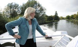 Marine Le Pen près d'Amiens le 20 septembre 2015.