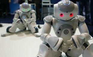 Les robots humanoïdes de chez Nao au sommet Innorobo de Lyon, le 23 mars 2011.
