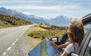 Les voitures électriques et hybrides veulent séduire les amoureux du voyage.