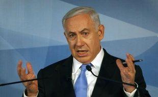 Le Premier ministre israélien Benjamin Netanyahu va proposer un dialogue direct entre lui-même et le président palestinien Mahmoud Abbas durant sa rencontre la semaine prochaine avec son homologue palestinien Salam Fayyad, a indiqué son bureau mercredi soir.