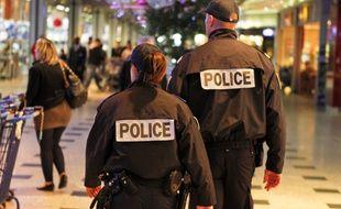 Patrouille de la police nationale au centre commercial de Blagnac. Archive.
