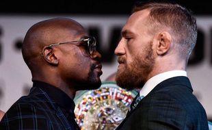 Mayweather et McGregor prêts pour le combat des chefs.