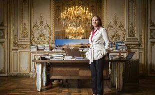Ségolène Royal dans son bureau au ministère de l'Écologie, le 6 novembre 2015 à Paris