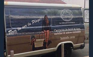 La publicité pour des carrioles de plage au centre de la polémique