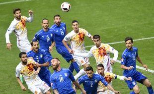L'impressionnante défense de l'Italie dans sa zone préférentielle: Sa surface de réparation.