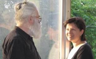 Dans une interview au quotidien italien La Repubblica, Mila Damjanov, une femme brune qui avait été aperçue en public avec celui qui était encore le docteur Dragan Dabic, affirme avoir été proche de l'ex-fugitif. Mais elle a nié fermement avoir été sa maîtresse, comme l'affirmait la presse serbe au lendemain de l'annonce de l'arrestation de Radovan Karadzic.