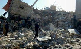 Image fournie par Médecins sans frontières le 16 février 2016, des ruines d'un hôpital bombardé la veille dans la province syrienne d'Idlib, au nord du pays