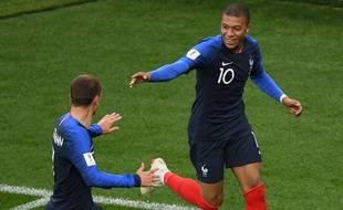 Kiki Mbappé, 19 ans, 1 but en Coupe du monde. Sa vie > vos vies.