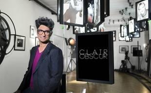 Sébastien Folin présente Clair Obscur sur France Ô, émission enregistré dans l'hôtel particulier du studio Harcourt
